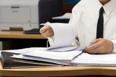 С оформлением документов лучше не затягивать (фото: freedigitalphotos.net).