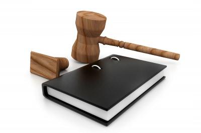 Чтобы взыскать алименты, родители могут обратиться в суд (фото: freedigitalphotos.net).