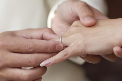 После свадьбы и связанных с ней приятных хлопот наступает время оформлять документы (фото: freedigitalphotos.net).